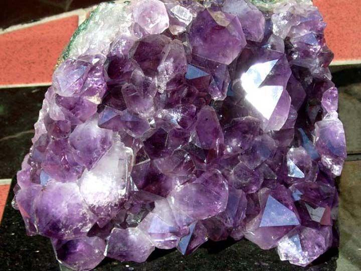 Как выглядит камень аметист фото