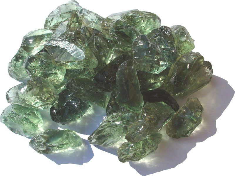 Как отличить зеленый аметист (празиолит) от жемчуга, яшмы, гелиотропа, александрита и цитрина
