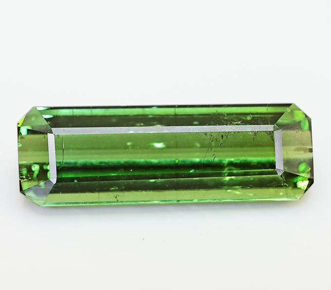 зелёный турмалин верделит
