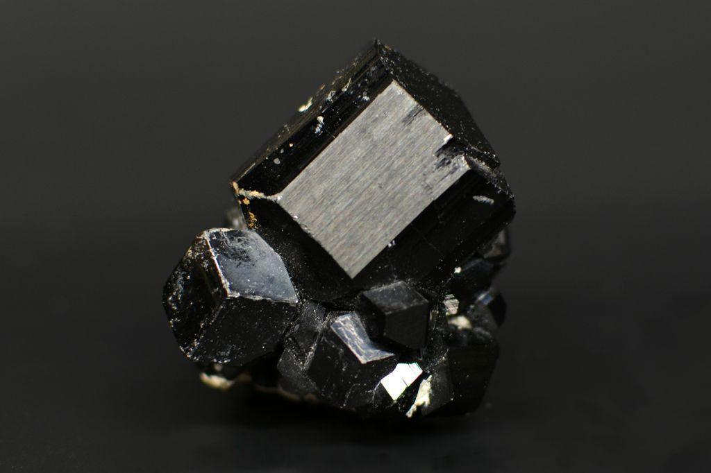 чёрный турмлаин