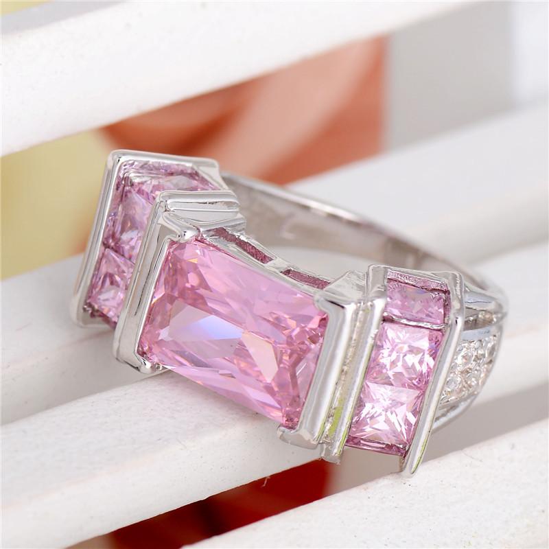 розовый циркон в украшениях