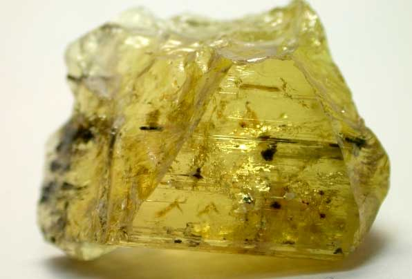 желтый турмалин