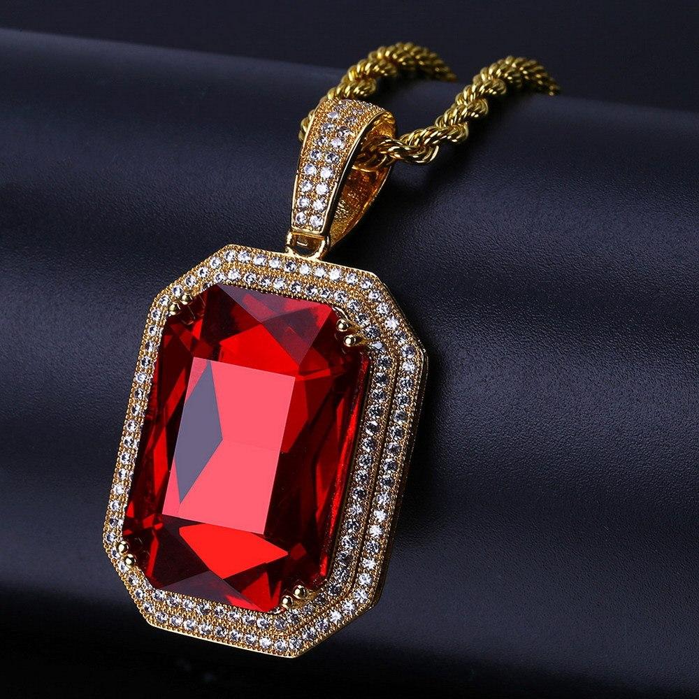 украшение из красного циркона