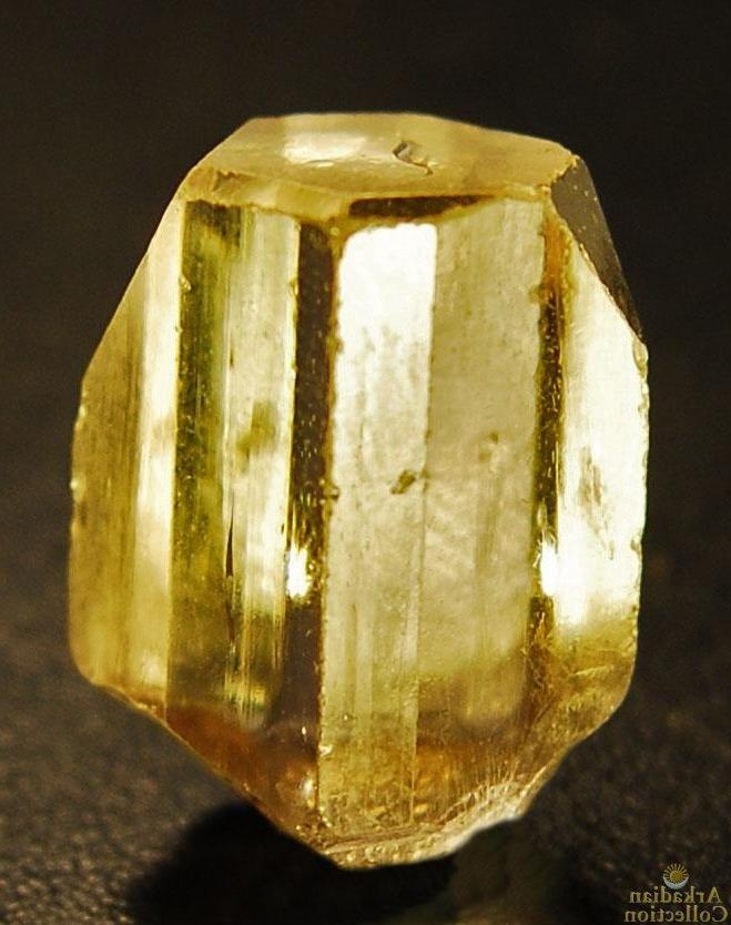 свойства золотого топаза