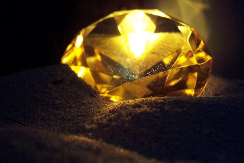жёлтый или золотой топаз