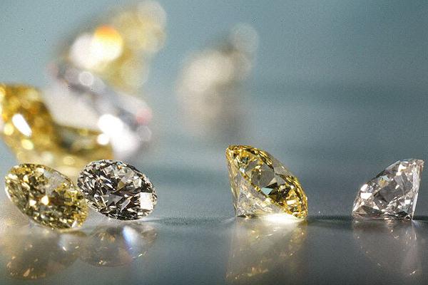 Как выглядят алмазы в природе фото