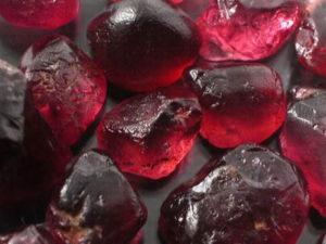 Гранат — это драгоценный камень или нет