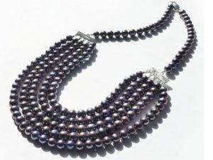 С чем и как носить жемчужное ожерелье