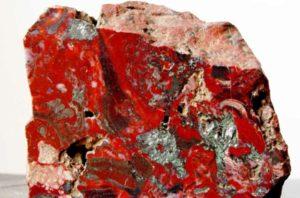 Красный гематит